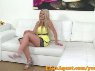 FakeAgent Hot blonde babe shows off her amazing tits for model work