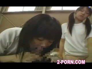 nominale schoolmeisje, echt ffm gepost, tiener thumbnail