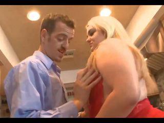Jeune marié ronde gets baisée en cuisine, porno 67