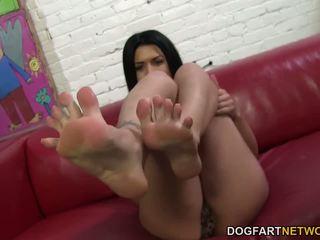 heet cumshots video-, een voet fetish scène, een interraciale