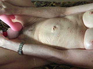 seksspeeltjes kanaal, grannies film, kijken masturbatie