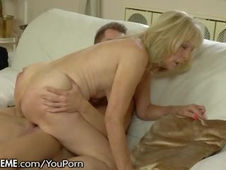 kissing, hottest cougar, real gilf