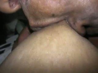 Indiškas krūtinga namų šeimininkė leisti jos partner į žaisti w