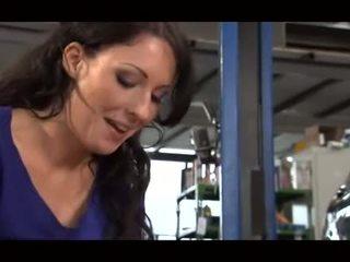 Allemand mechanic gets branlette
