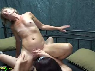 Oldnanny cantik rumaja prawan is playing with old leh with sextoy strapon