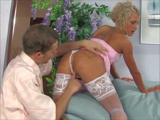 Porno v anal blondinke