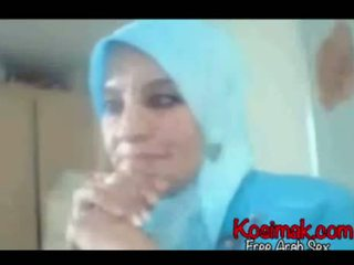 Arab Hijab Slut On Webcam Showing Her Tits And Pus