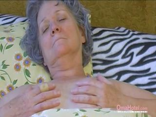 een lesbiennes film, nominale oma scène, hq matures