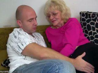 Oldnanny 老 奶奶 是 很 很 角质 和 湿