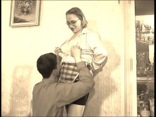 plezier mov, lingerie tube, mama scène