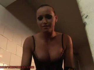 Obez dominating two slavegirls