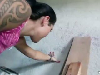 Чешка дівчина agata pounded для деякі гроші