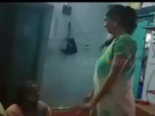 tamil frau nackt zeigen arsch