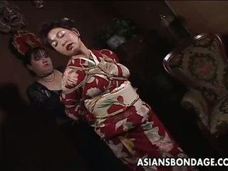 Asia diwasa asu has a rope session to endure
