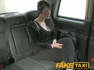 FakeTaxi Lady wants to pay with her mouth instead of her cash
