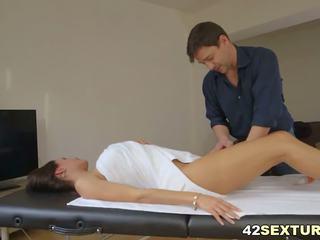 bộ ngực to, hậu môn, massage
