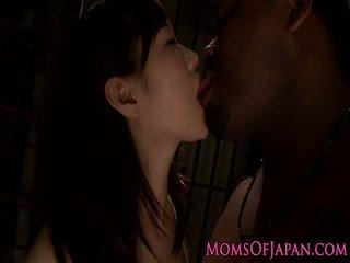 Ιαπωνικό μητέρα που θα ήθελα να γαμήσω σε mmf διαφυλετικό τρίο