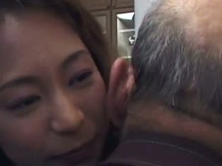 Daughter-in-law este la dracu de nu ei father- și nu lui fiu