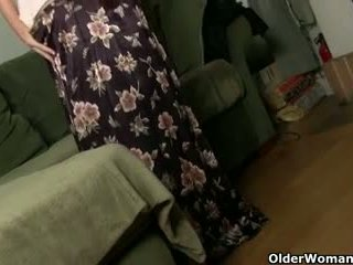 grannies, matures, milfs, nylon
