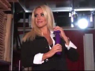 blonde, jucarii sexuale, striptease