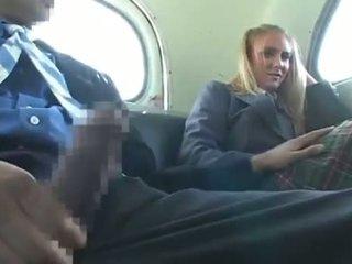 Dandy 171 rubio estudiante mujer vestida hombre desnudo diversión en autobús 1