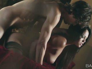 Šarms pornozvaigzne adrianna luna slammed