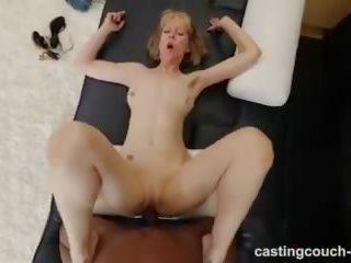मेच्यूर मिल्फ साथ महान बॉडी has इंटररेशियल सेक्स दौरान कॅस्टिंग