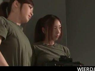 Roped besar titted jap tentera perempuan gets keras fucked dalam gan