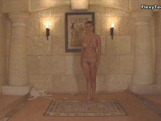 nominale 18 jaar oud mov, mooi natural body neuken, hd videos