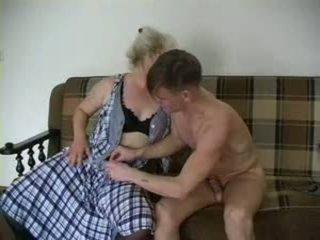 セクシー おばあちゃん lena と alex