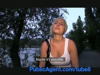 Publicagent コック 吸い ショート 女の子 とともに ブロンド 髪