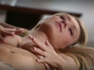 Tempting blondin natalia starr pleasuring