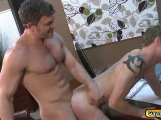 Tw-nk sucking bears big cock and anal fucking
