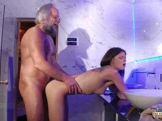 Ýaşlar duýguly sik massaž and amjagaz fuck with big gotak