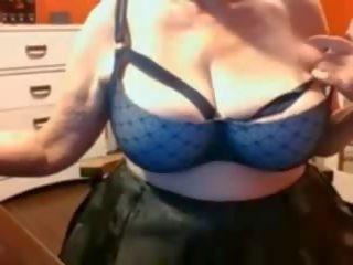 reifen oma big tits in bra