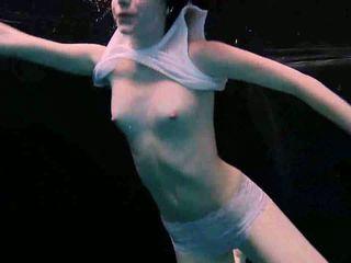 heetste roodharigen, zwembad porno, echt underwater vid