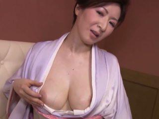 japanilainen, isot tissit, erääntyy, milfs