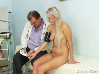 Teen girl Sabina visiting her old gyno doctor to h