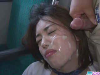 여학생 yuna satsuki 아시아의 입 과 공공의 씨발