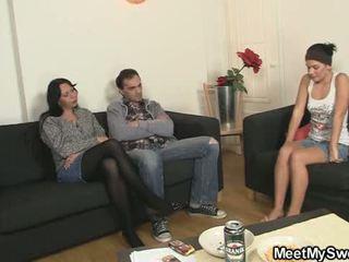 moms teaching teens vid, threesome teen klem, mooi threesome mature