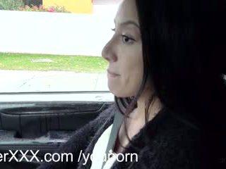 Driverxxx caldi piccolo fica earns suo un corsa