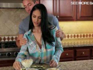 Stunning Hottie Jasmine Caro Pounded Good In The Kitchen