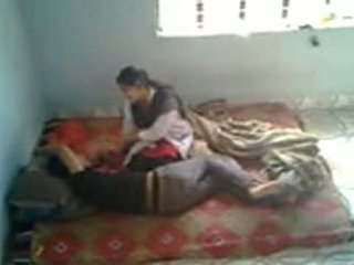 Bangladeshi medical student cu bf în mess (leaked)