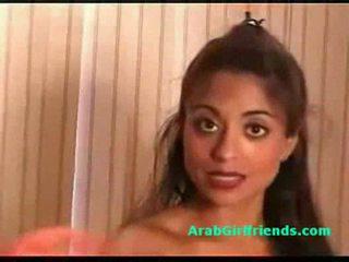 Huge susu amatir arab moderate shows her bokong and burungpun