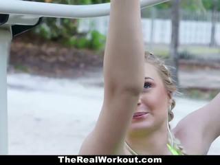 Fitnesz vlogger szar által camera crew