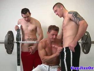 Muscle jock fucking đôi tại thể dục