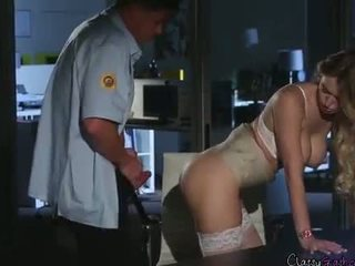 Güvenlik guard fucks accountant natalia starr içinde the öz eğlence