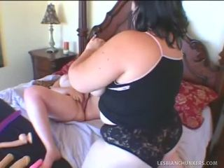 BBW Lesbian Sluts Eating Cooch