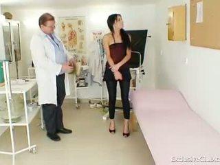 nominale gapende film, verspreiding film, kijken vagina