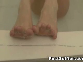 Sexy Naked Wife Filmed In The Bathtub